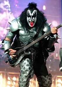 ''Kiss'' Performs in New Jersey
